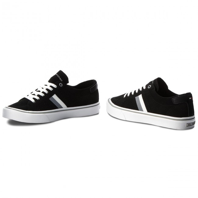 2b0f5a0cd9bb5 Tenisówki TOMMY HILFIGER - Lightweight Corporate Sneaker FM0FM01619 Black  990
