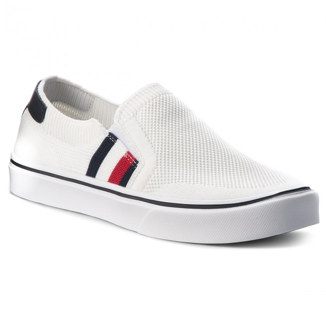 b4cd47cf5d65f Tenisówki TOMMY HILFIGER - Lightweight Corporate Slip On FM0FM01634 White  100