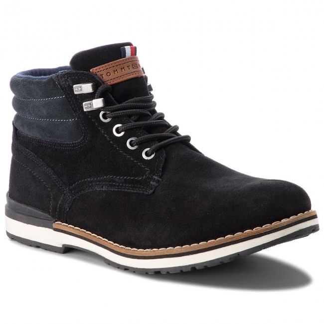 40706c7924986 Trapery TOMMY HILFIGER - Outdoor Suede Boot FM0FM01748 Black 990 ...