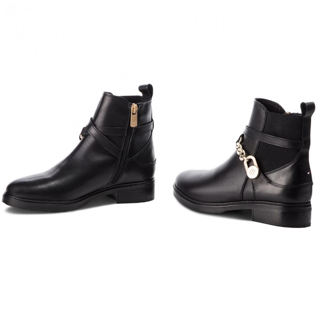 c36881c6fb802 Botki TOMMY HILFIGER - Th Chain Bootie Leat FW0FW03311 Black 990 ...