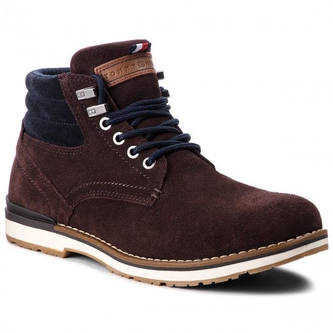 83749e569d17b Trapery TOMMY HILFIGER - Outdoor Suede Boot FM0FM01748 Coffee Bean ...