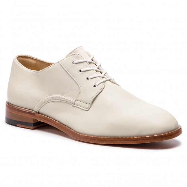 Oxfordy CLARKS - Ellis Scarlett 261418854 White Leather - Oxfordy - Półbuty - Damskie