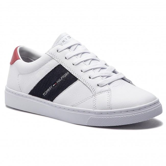 af33499f35c90 Sneakersy TOMMY HILFIGER - Tommy Playful Badge Sneaker FW0FW03996 White 100