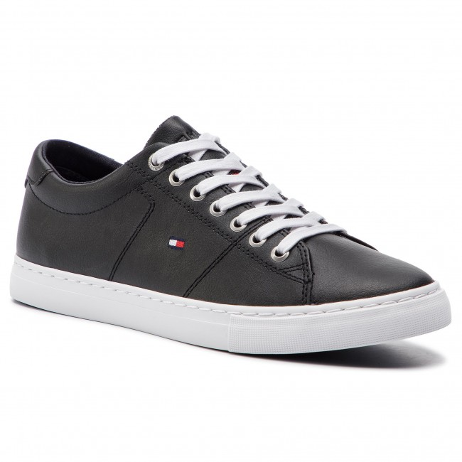 51f7aa1ab0 Sneakersy TOMMY HILFIGER - Essential Leather Sneaker FM0FM02203 Black 990