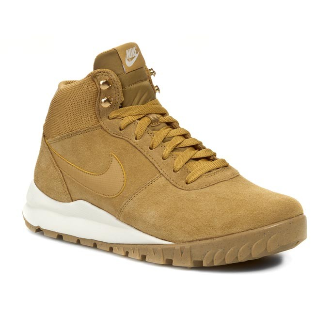 ba7a6967b23e4 Buty NIKE - Hoodland Suede 654888 727 Haystock/ Light Brown/ Metallic Gold