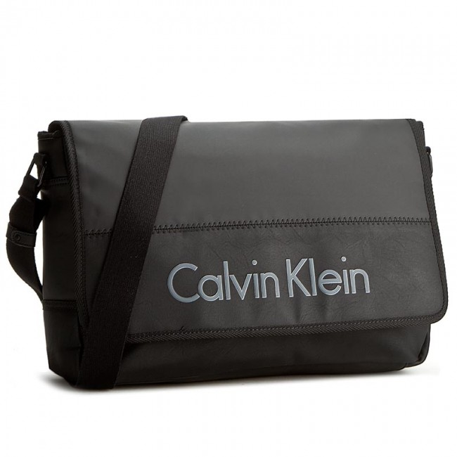 6c503c8fceedc Torba na laptopa CALVIN KLEIN - Play Messenger With Flap K50K501604 ...