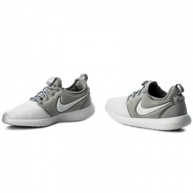Buty NIKE Roshe Two (GS) 844653 100 WhiteWhiteMetallic