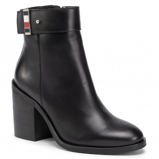 Botki TOMMY HILFIGER - Corporate Hardware Bootie FW0FW04488 Black BDS