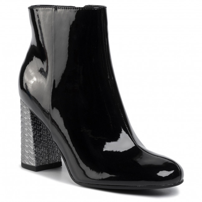 Botki TOMMY HILFIGER - Elevated Patent High Heel Boot FW0FW04571 Black BDS