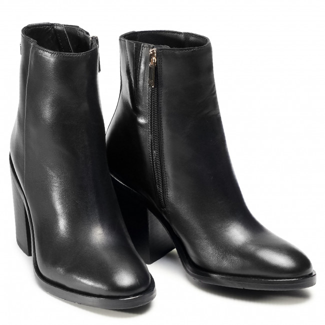 Botki TOMMY HILFIGER - Shaded Leather High Heel Boot FW0FW05164 Black BDS - Botki - Kozaki i inne - Damskie AMBUKW3