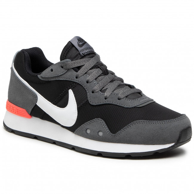 Buty NIKE - Venture Runner CK2944 004 Black/Iron Grey/Flash Crimson
