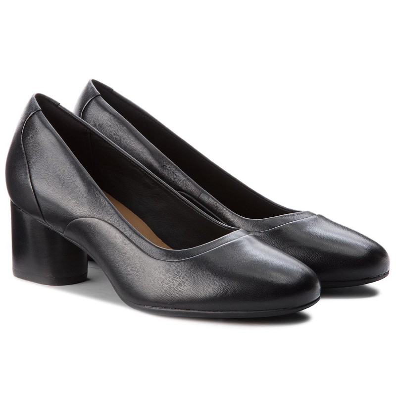 Półbuty CLARKS - Un Cosmo Step 261354464 Black Leather - Na obcasie - Półbuty - Damskie