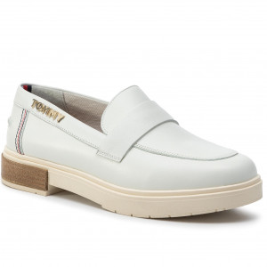 8b49373a Półbuty TOMMY HILFIGER - Casual Leather Loafer FW0FW04167 Whisper White 121